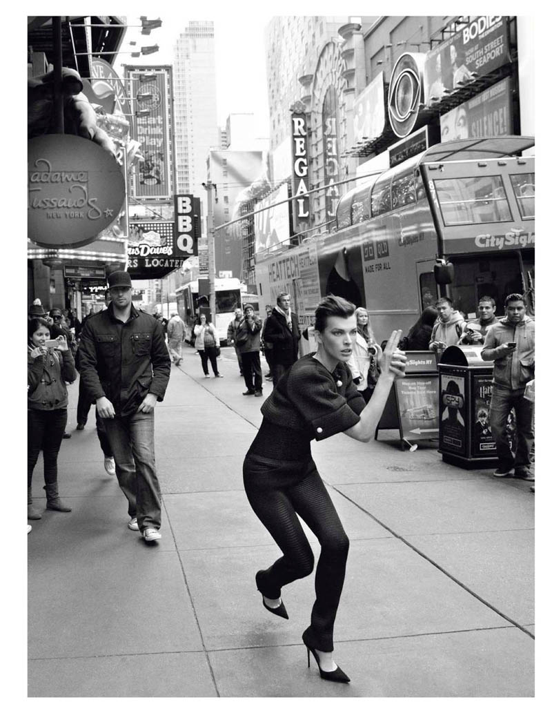 MillaNewYork4 Milla Jovovich Takes on New York for Vogue Paris February Issue by Inez & Vinoodh