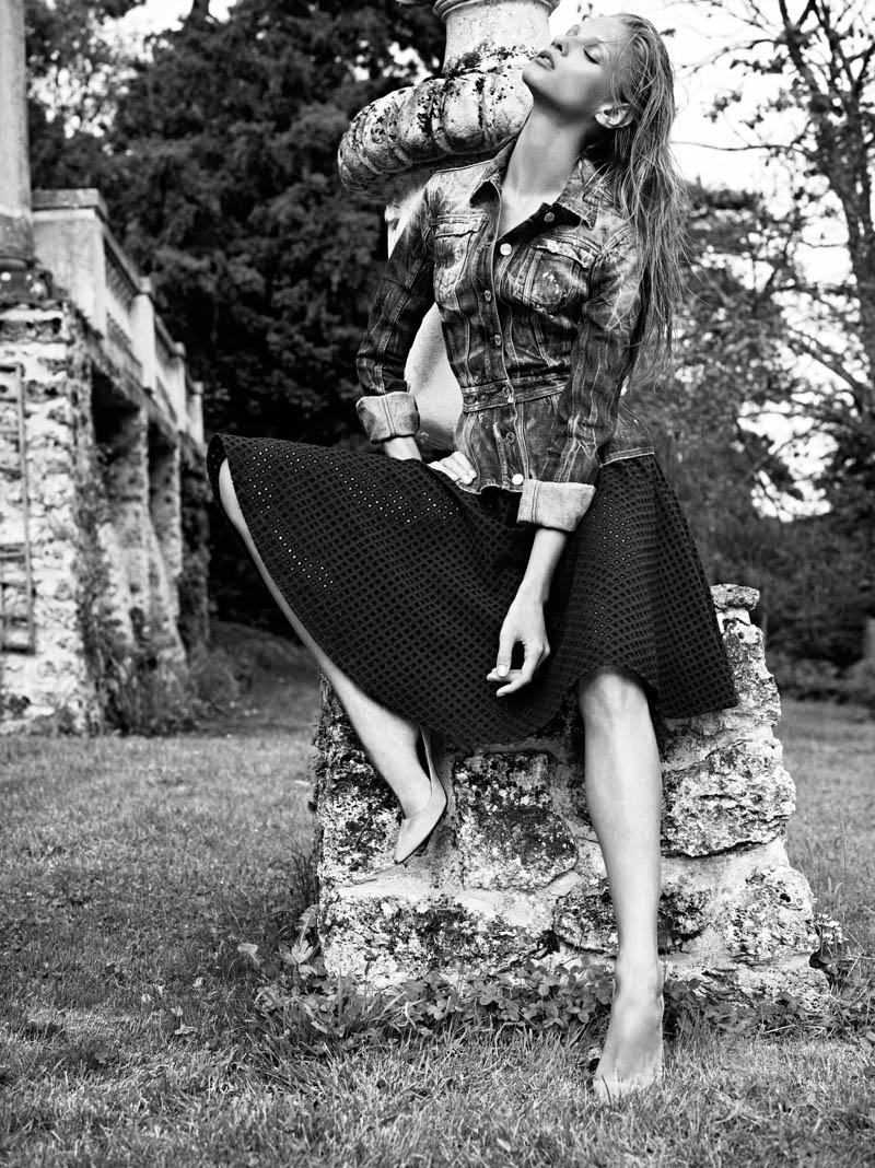 Pierre Balmain SS13 Lookbook Page 23 Anna Selezneva Keeps it Understated in Pierre Balmains Spring 2013 Campaign