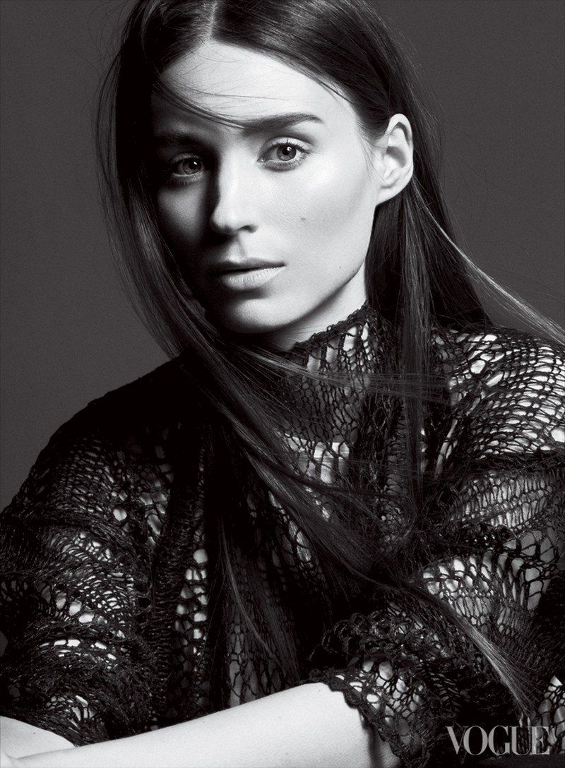 RooneyVogue2 Rooney Mara Graces the February 2013 Cover of Vogue US