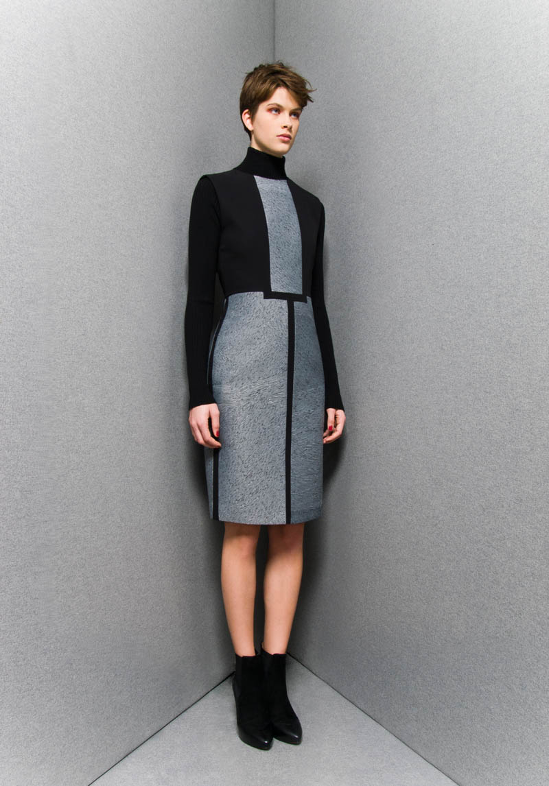 SportmaxPF12 Sportmaxs Dark, Voluminous Pre Fall 2013 Collection