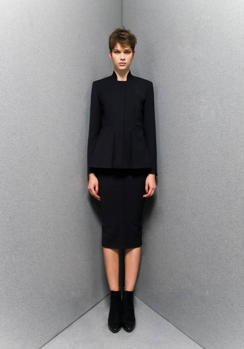 SportmaxPF13 Sportmaxs Dark, Voluminous Pre Fall 2013 Collection