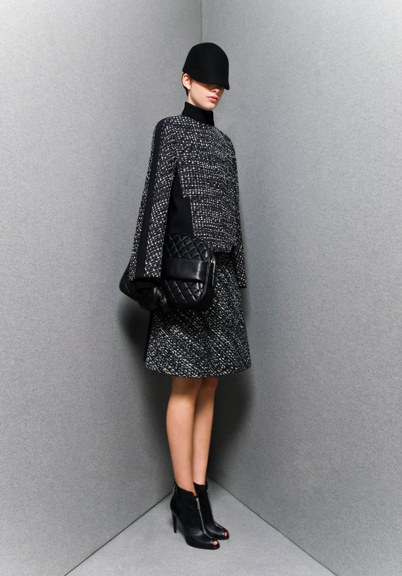 SportmaxPF15 Sportmaxs Dark, Voluminous Pre Fall 2013 Collection