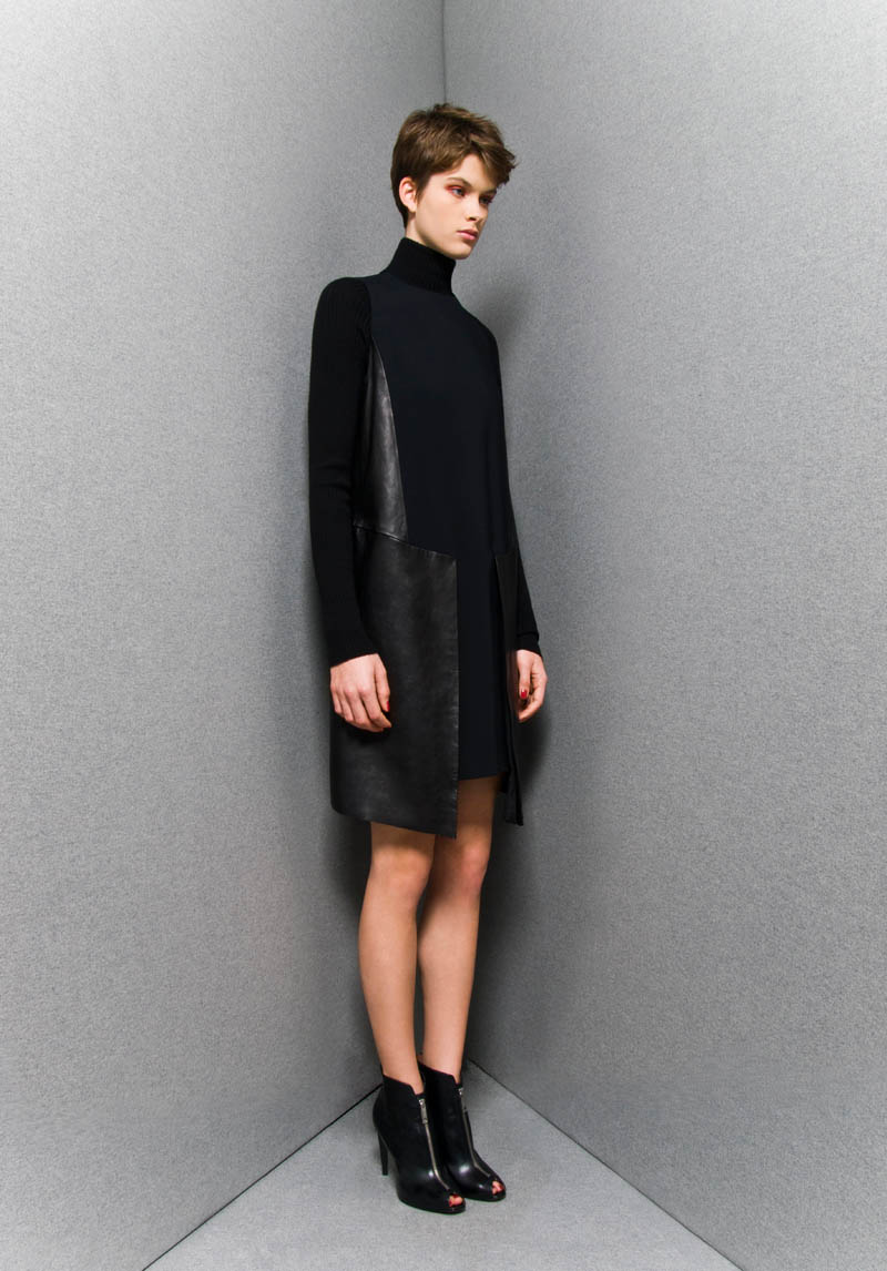 SportmaxPF4 Sportmaxs Dark, Voluminous Pre Fall 2013 Collection