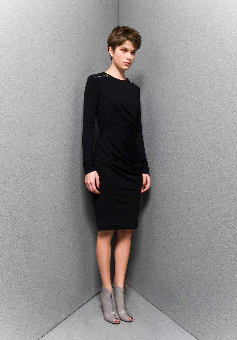 SportmaxPF8 Sportmaxs Dark, Voluminous Pre Fall 2013 Collection