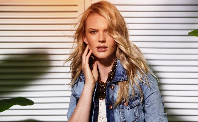 Suiteblanco ss13 campaign woman 01 800x492 Anne Vyalitsyna Poses for SuiteBlanco Spring/Summer 2013 Campaign