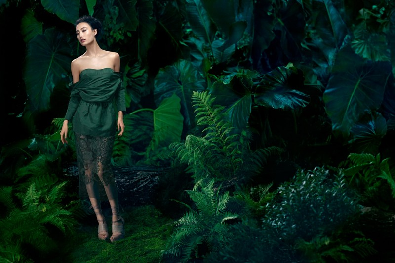 VWSpring1 800x533 Shu Pei Gets Romantic for Vera Wangs Spring 2013 Campaign