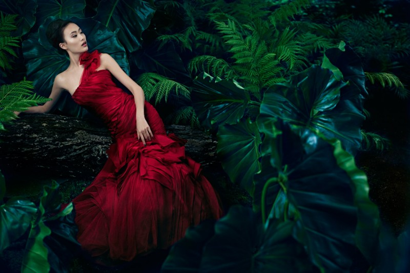 VWSpring3 800x533 Shu Pei Gets Romantic for Vera Wangs Spring 2013 Campaign