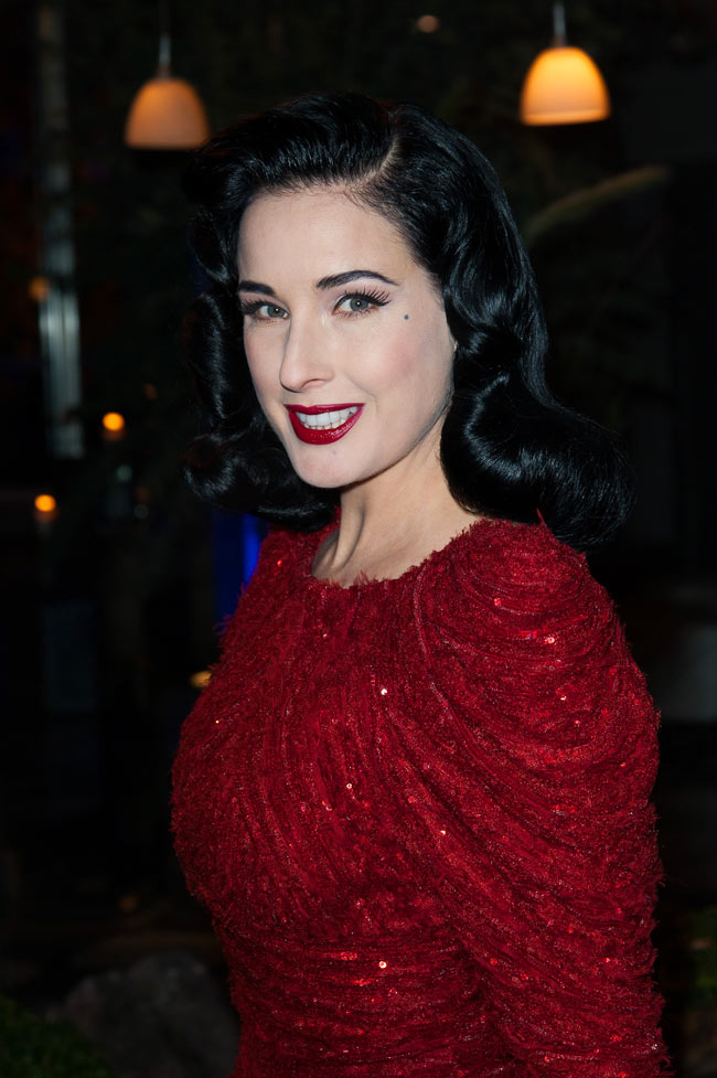 dita2 Dita Von Teese in Elie Saab Haute Couture at the Sidaction Gala Dinner