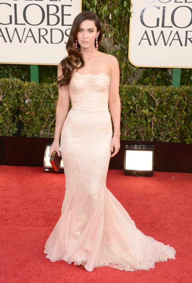 globes5 Anne Hathaway in Chanel, Megan Fox in Dolce & Gabbana, Amanda Seyfried in Givenchy and More Stars at the 70th Annual Golden Globe Awards