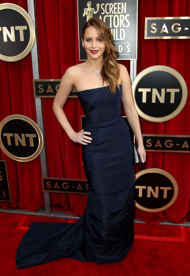 jennifer sag3 Jennifer Lawrence in Dior Haute Couture at the 19th Annual Screen Actors Guild Awards