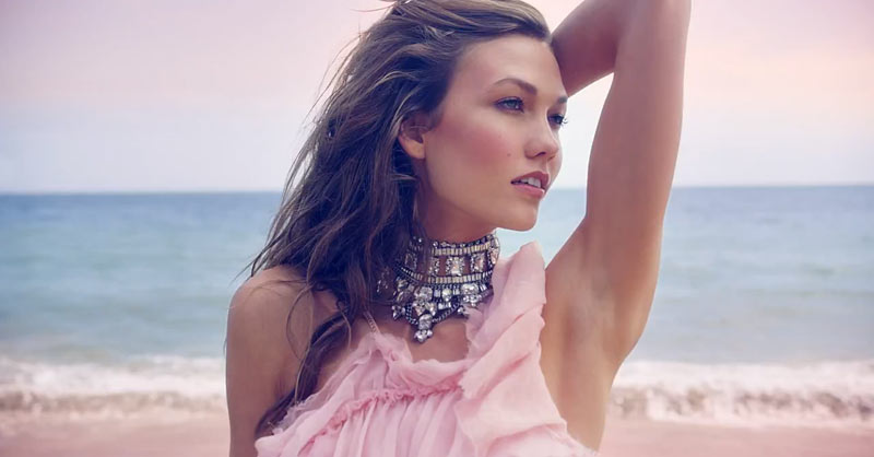 juicy2 Karlie Kloss Hits the Beach in Juicy Coutures Couture La La Fragrance Commercial