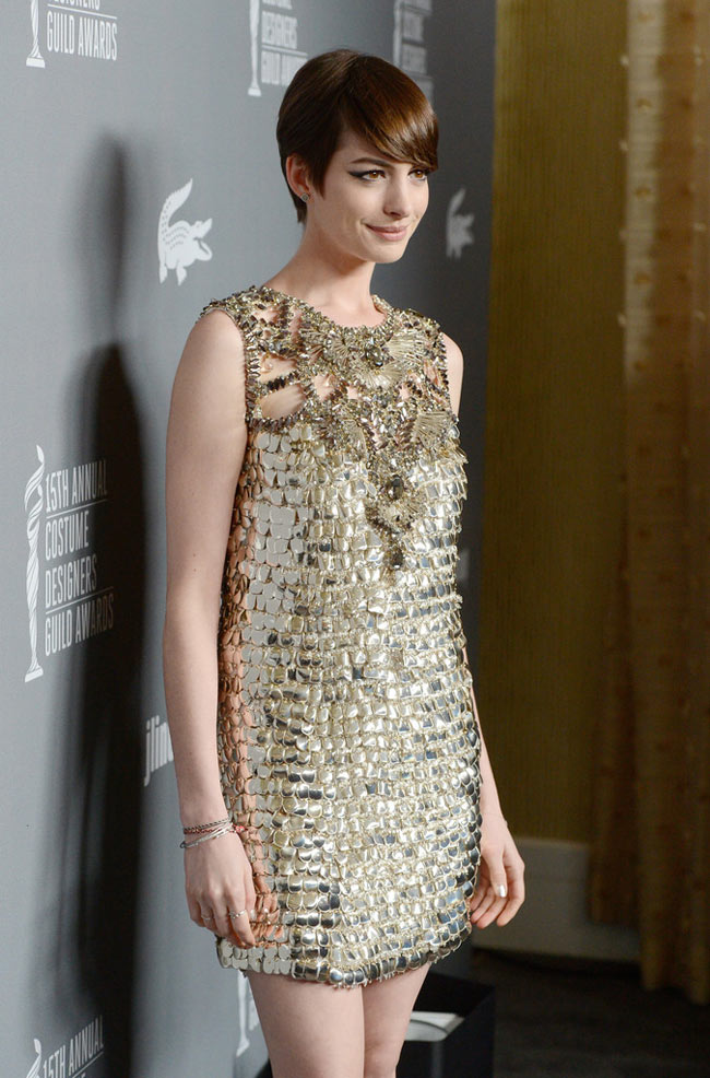 Anne Gucci4 Anne Hathaway in Gucci at the 15th Annual Costume Designers Guild Awards