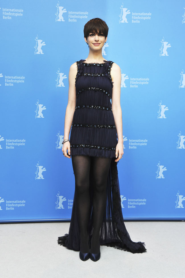 anne hathaway in chanel haute couture at the 63rd