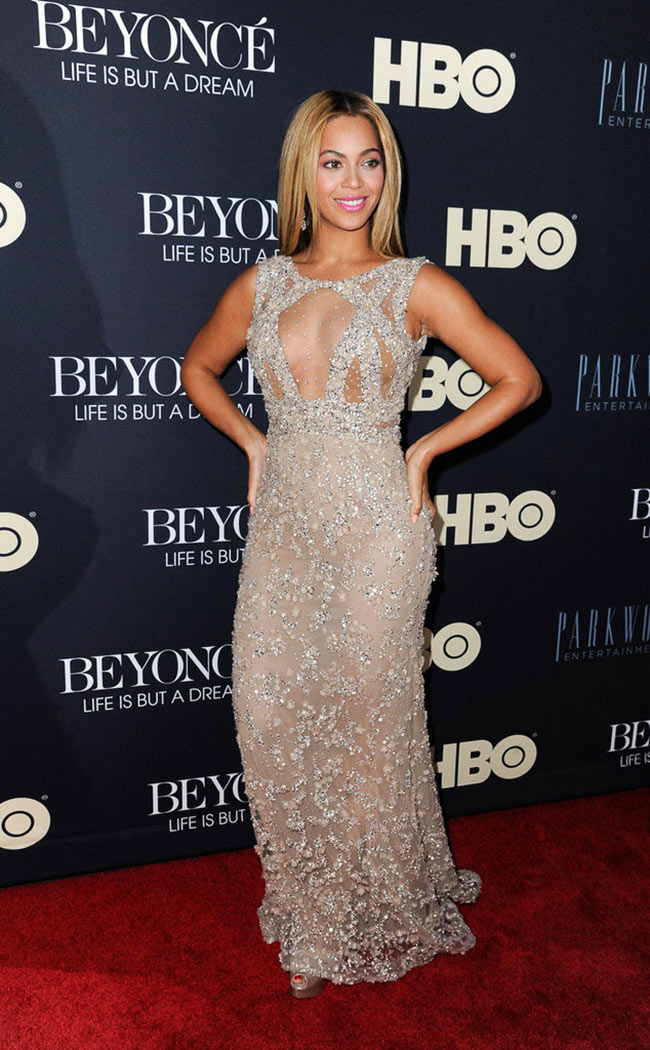 Beyonce Elie Saab1 Beyonce in Elie Saab at Beyonce: Life Is But A Dream New York Premiere