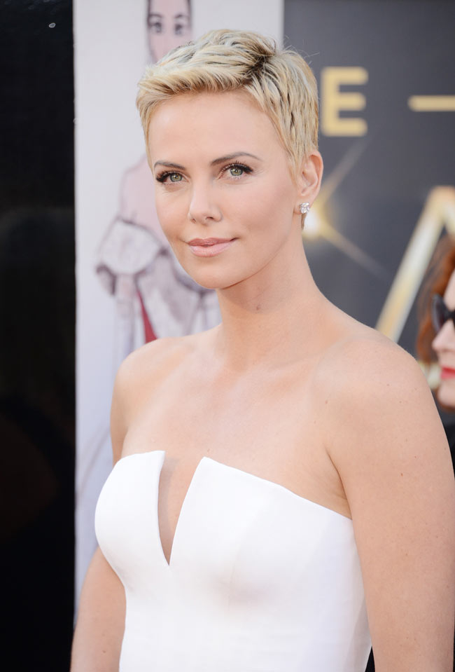 Charlize Dior2 Charlize Theron in Dior Haute Couture at the 85th Annual Academy Awards