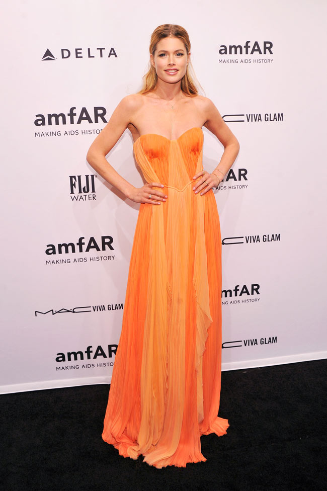 Doutzen Amfar3 Doutzen Kroes in J. Mendel at the amfAR New York Gala