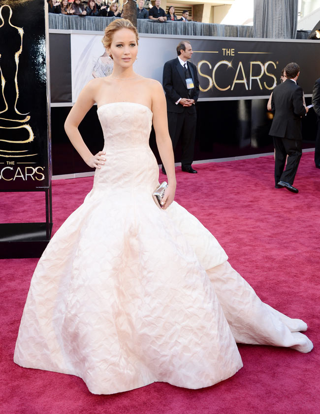J Law Oscars1 Jennifer Lawrence in Dior Haute Couture at the 85th Annual Academy Awards