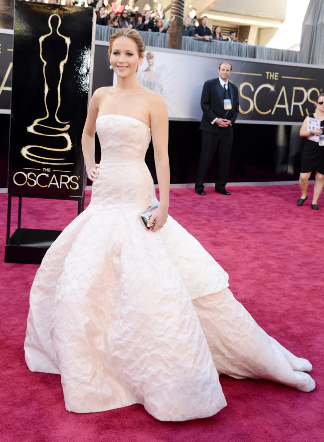 J Law Oscars2 Jennifer Lawrence in Dior Haute Couture at the 85th Annual Academy Awards