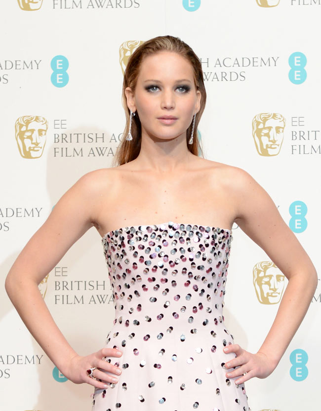 Jennifer Bafta1 Jennifer Lawrence in Dior Haute Couture at the 2013 BAFTA Awards