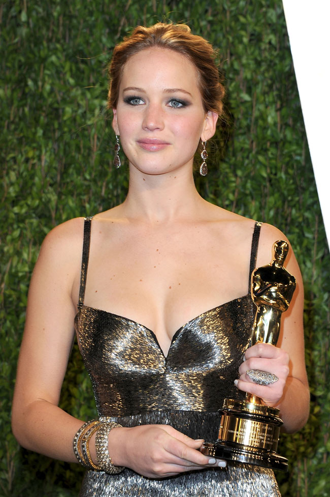Jennifer Lawrence11 Jennifer Lawrence in Calvin Klein Collection at the 2013 Vanity Fair Oscar Party
