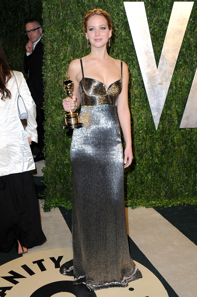 Jennifer Lawrence21 Jennifer Lawrence in Calvin Klein Collection at the 2013 Vanity Fair Oscar Party