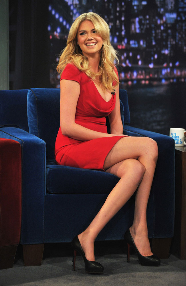 Kate Upton McQueen1 Kate Upton in Alexander McQueen at Late Night with Jimmy Fallon