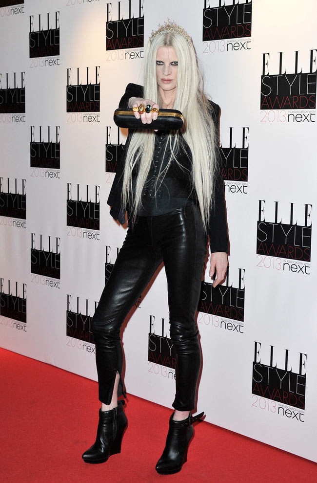 Kristen Elle1 Kristen McMenamy in McQ by Alexander McQueen at the ELLE UK Style Awards