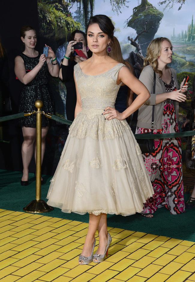 Mila Dolce1 Mila Kunis in Dolce & Gabbana at Oz The Great and Powerful LA Premiere