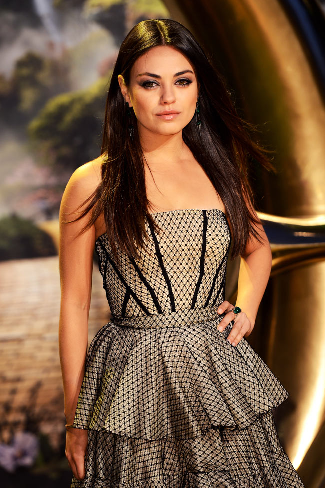 Mila Kunis1 Mila Kunis in Alexander McQueen at Oz The Great and Powerful London Premiere