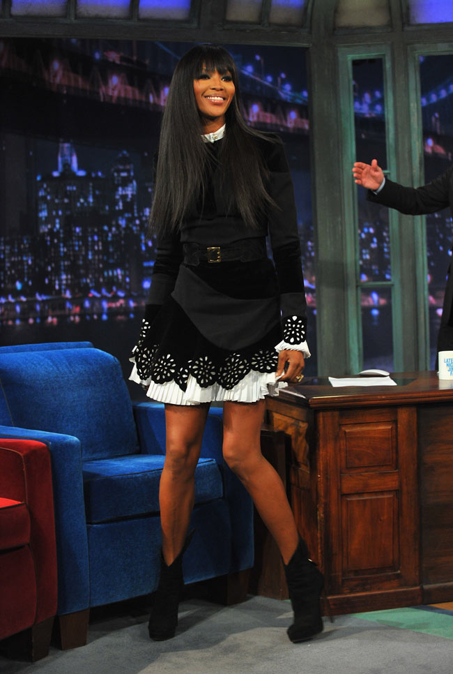 Naom Campbell1 Naomi Campbell in Alexander McQueen at Late Night With Jimmy Fallon
