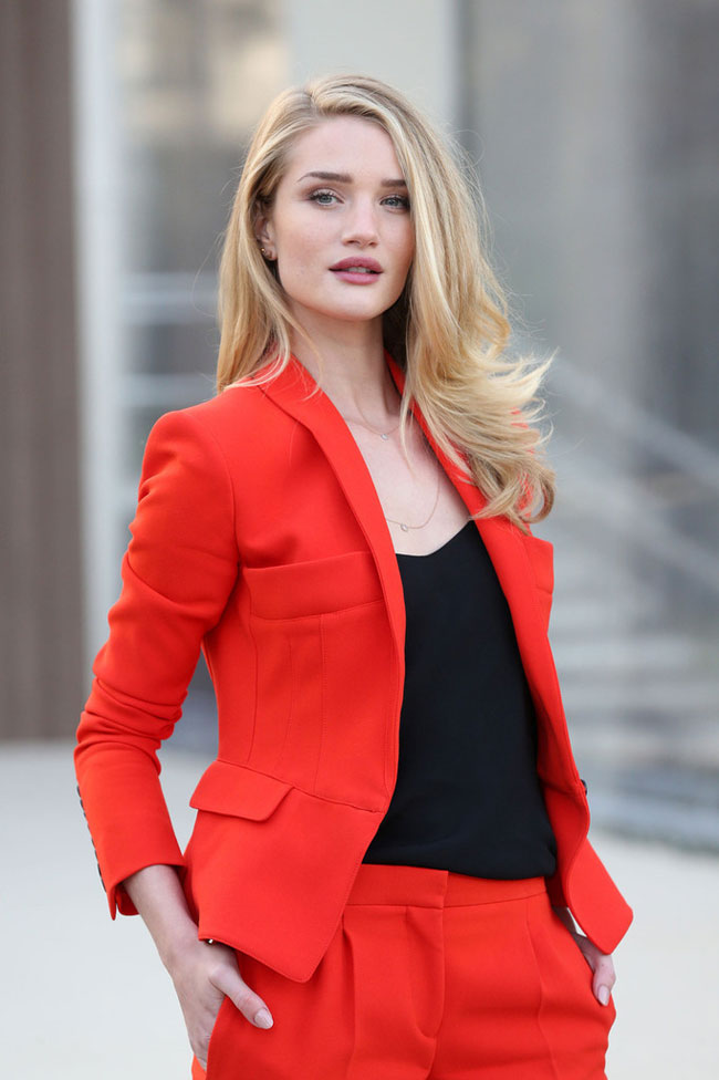 Rosie Huntington-Whiteley in Burberry at the Burberry Fall/Winter 2013 Show in London