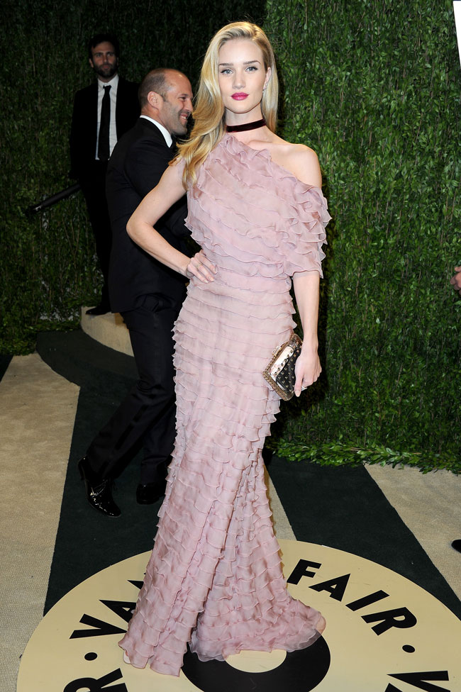 Rosie Valentino2 Rosie Huntington Whiteley in Valentino Haute Couture at the 2013 Vanity Fair Oscar Party