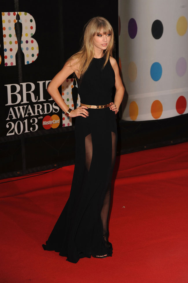 T Swift3 Taylor Swift in Elie Saab at the 2013 Brit Awards