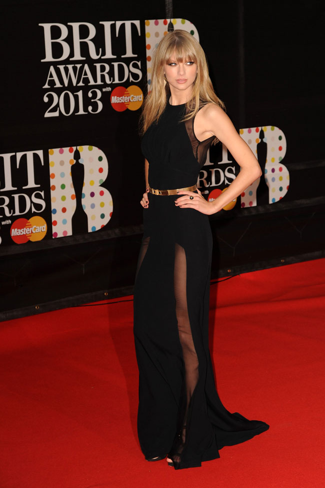 T Swift4 Taylor Swift in Elie Saab at the 2013 Brit Awards