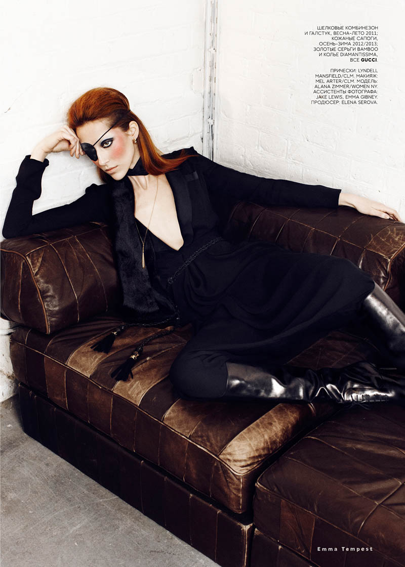 alana zimmer david bowie vogue russia2 Alana Zimmer Channels David Bowie for Vogue Russias March Issue by Emma Tempest