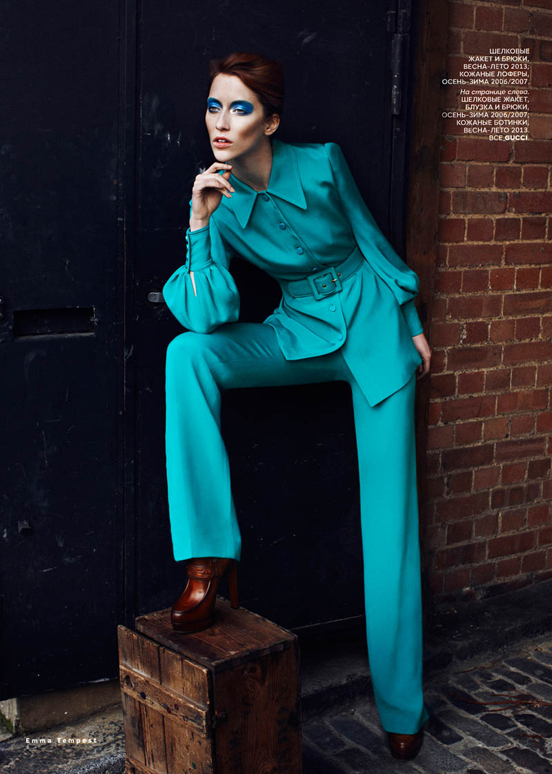 alana zimmer david bowie vogue russia3 Alana Zimmer Channels David Bowie for Vogue Russias March Issue by Emma Tempest