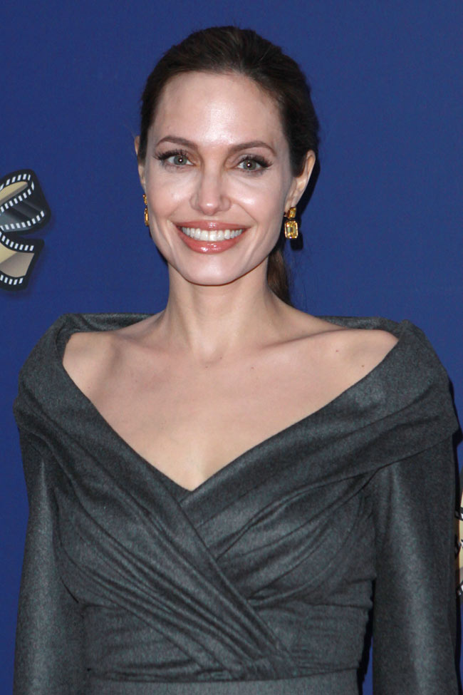 angelina jolie versace3 Angelina Jolie in Atelier Versace at the 27th American Society of Cinematographers Awards