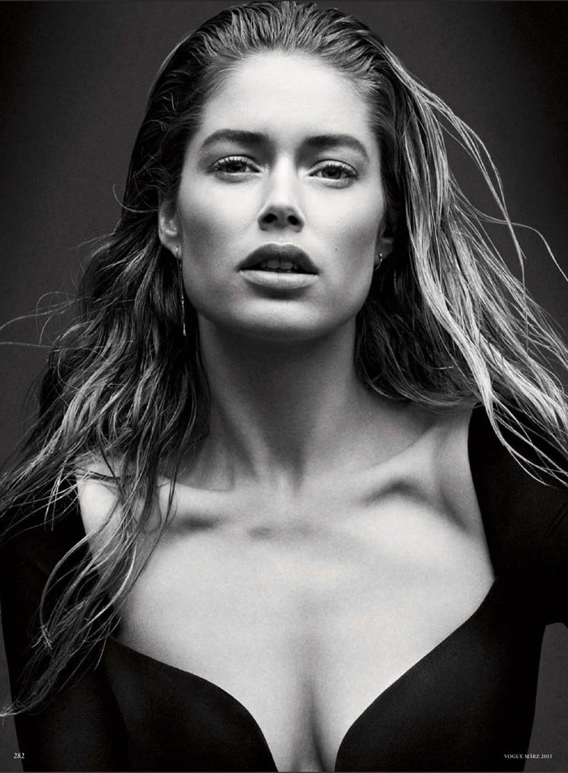 doutzen kroes vogue shoot2 Doutzen Kroes Stuns in Vogue Germanys March Issue by Daniel Jackson