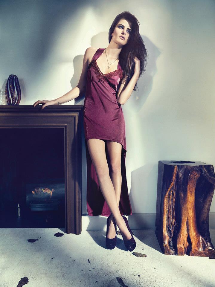 isabeli fontana lingerie campaign7 Isabeli Fontana Seduces for Un.i Lingerie Winter 2013 Campaign