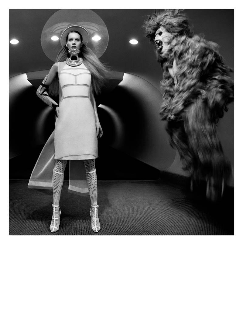 julia frauche greg kadel numero3 Julia Frauche Has a Strange Encounter for Numéro #141 by Greg Kadel