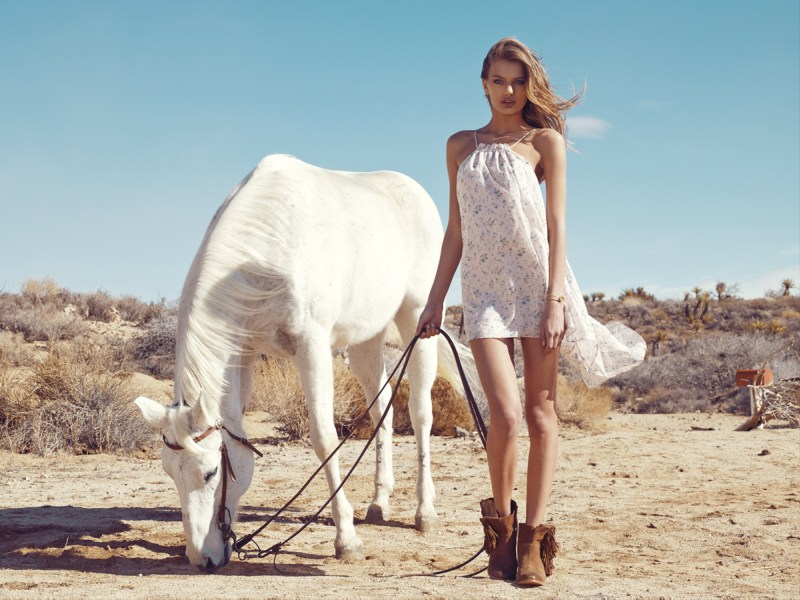 revolve bregje heinen lookbook16 Bregje Heinen Takes to Joshua Tree for Revolve Clothings Spring 2013 Lookbook