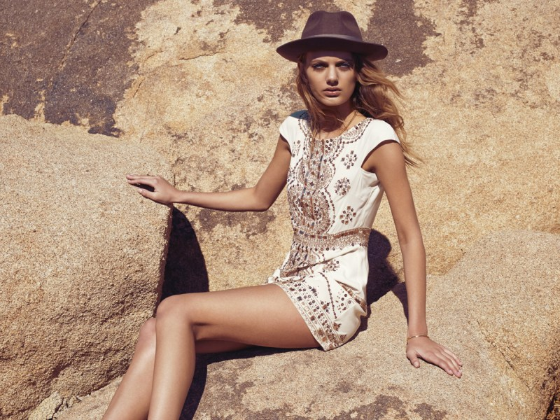 revolve bregje heinen lookbook3 Bregje Heinen Takes to Joshua Tree for Revolve Clothings Spring 2013 Lookbook