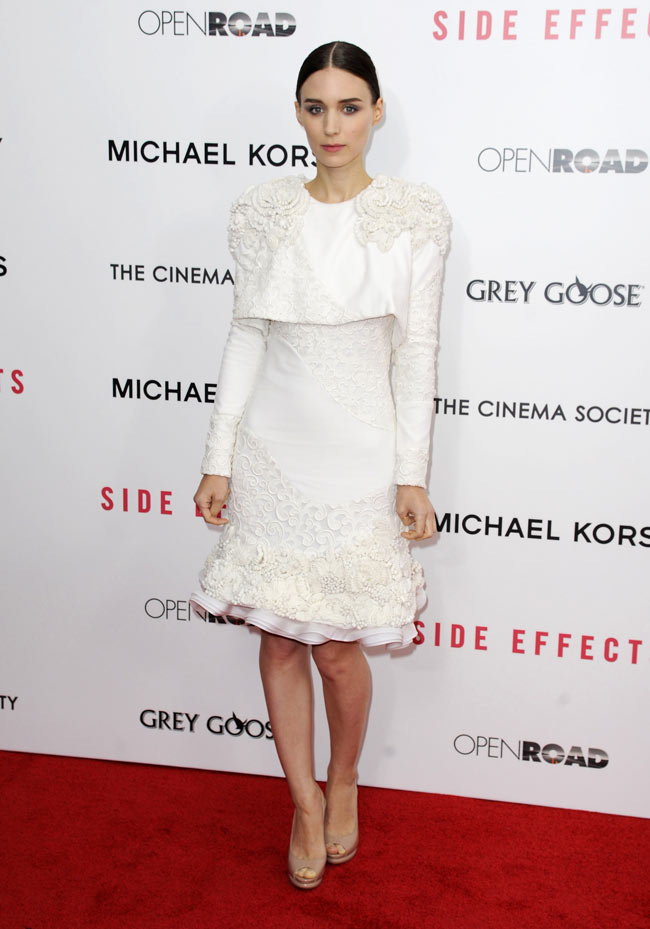 rooneymara1 Rooney Mara in Alexander McQueen at the Side Effects New York Premiere