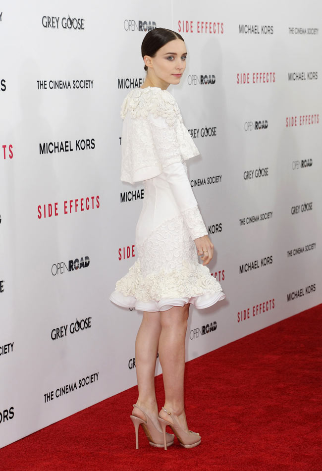 rooneymara2 Rooney Mara in Alexander McQueen at the Side Effects New York Premiere