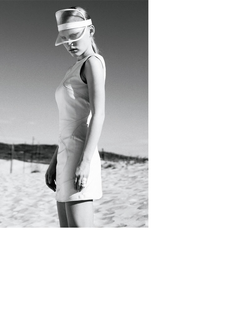 Santiago Ruisenor Captures Madara in White Hot Looks for Elle Mexico March 2013