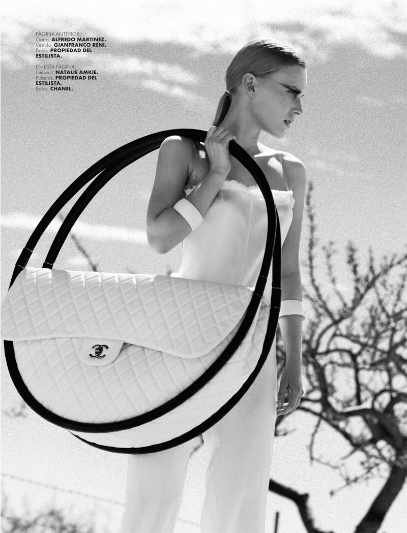 ELLE 135 Moda Santi 4a Santiago Ruisenor Captures Madara in White Hot Looks for Elle Mexico March 2013
