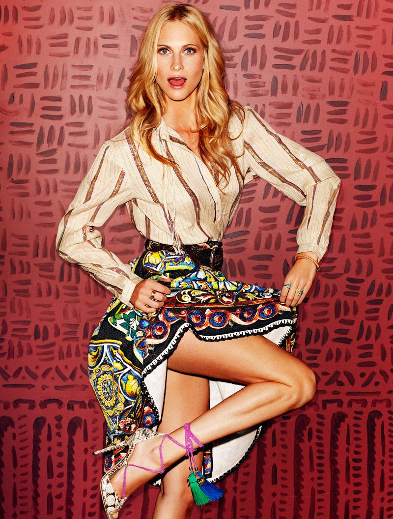PoppyDelevingneElle4 Poppy Delevingne is Fun and Flirty for Xavi Gordo in Elle Spain April 2013