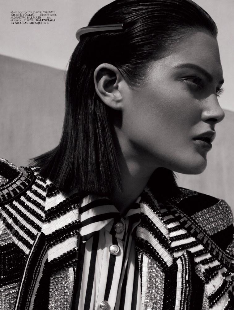 catherine mcneil vogue turkey5 Catherine McNeil Sports Sleek Spring Looks for Vogue Turkey