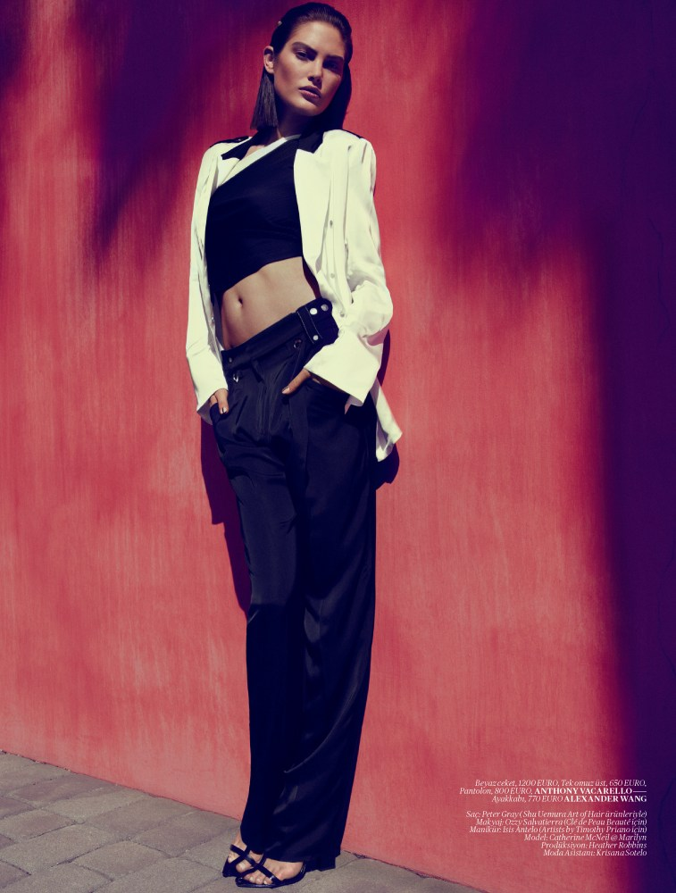 catherine mcneil vogue turkey7 Catherine McNeil Sports Sleek Spring Looks for Vogue Turkey