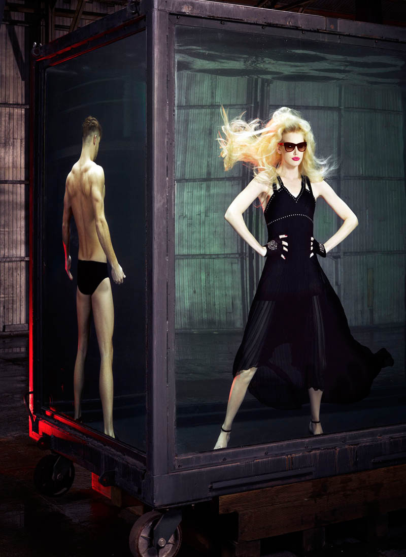 douglas friedman vogue italia13 Douglas Friedman Captures Underwater Style for Vogue Italia March 2013
